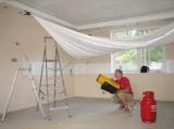 как монтируют натяжной потолок